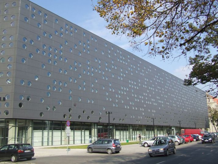 Wrocław_University_of_Technology,_C-13_building.jpg