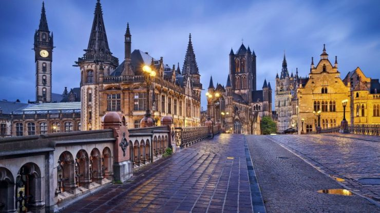 Ghent-Belgium-City-Gothic-style-of-architecture-Desktop-Wallpaper-full-screen-915x515.jpg
